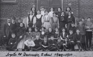 Class photo from Davisville School 1909-1910